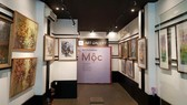 At the art exhibition (Photo: New Gen Art)