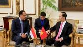 President Tran Dai Quang (R) and Egyptian Prime Minister Mostafa Madbouly (Photo: VNA)