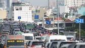 Traffic congestion on Thu Thiem bridge in HCM City (Photo: VNA)