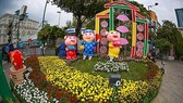 A family of pigs which are chosen as the sacred animals ofNguyen Hue Flower Street2019