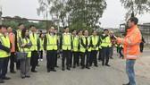 The HCMC's delegation visited Nereda wastewater treatmentplantsinUtrecht. (Photo: Sggp)
