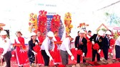 The ceremony launching the construction of the Darco Ba Lai water factory in Ben Tre province on July 6 (Photo: VNA)