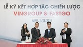 A cooperation agreement is inked between Vingroup and FastGo. (Photo: Sggp)