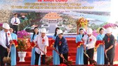 National Assembly (NA) Chairwoman Nguyen Thi Kim Ngan (C) attends the groundbreaking ceremony. (Photo: Sggp)