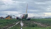Vietjet plane slides off runway at Tan Son Nhat Airport