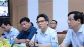Deputy Prime Minister Vu Duc Dam, head of the National Steering Committee for COVID-19 Prevention and Control, speaks at the meeting. (Photo: VNA)