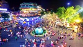 Pedestrian Street around Hoan Kiem Lake reopens on September 18.