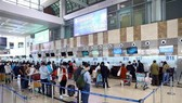 Noi Bai airport has coordinated with relevant agencies to ensure smooth and continuous operation. (Photo: VNA)