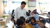 Thứ trưởng Bộ GD-ĐT Nguyễn Hữu Độ khảo sát tình hình triển khai chương trình giáo dục phổ thông mới tại TPHCM