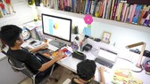 Học sinh tham gia học trực tuyến tại nhà