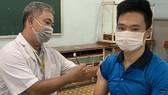 Giáo viên Trường THPT Đào Sơn Tây (TP Thủ Đức) tiêm vaccine ngừa Covid-19 vào cuối tháng 6 vừa qua