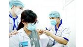 Vĩnh Long bắt đầu tiêm vaccine phòng Covid-19