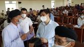 Bộ trưởng Bộ Y tế Nguyễn Thanh Long tiếp xúc cử tri tại Vĩnh Long
