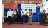 Bà Nguyễn Trần Phượng Trân (thứ 3 bên phải) giữ chức Chủ tịch Hội LHPN TPHCM