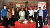 Đảng ủy Khối Dân - Chính - Đảng và các đơn vị trao nhà tình nghĩa tại tỉnh Bến Tre ngày 1-2