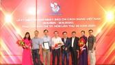 Các phóng viên, nhà báo Báo SGGP đoạt Giải Báo chí TPHCM năm 2020
