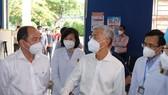 Phó Chủ tịch UBND TPHCM Võ Văn Hoan khảo sát Bệnh viện điều trị Covid-19 số 01 tại quận Phú Nhuận
