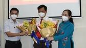 Chi bộ HĐND TPHCM kết nạp đảng viên mới