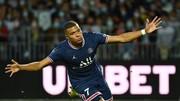 Kylian Mbappe mừng bàn thắng cho PSG vào cuối tuần qua.
