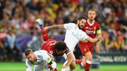 Sergio Ramos quật ngã Mo Salah trong trận chung kết 2018
