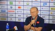 HLV Park Hang Seo mơ cùng tuyển nữ và U22 Việt Nam bay về Hà Nội với những tấm HCV (Ảnh Dũng Phương)