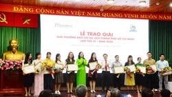 TPHCM trao Giải báo chí viết về Du lịch TP năm 2020
