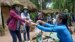 """Chủ tịch HĐND TPHCM Nguyễn Thị Lệ: """"Lực lượng tuyến đầu phác họa bức tranh đẹp giữa đời thường"""""""