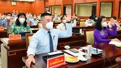 Các đại biểu đã thông qua Nghị quyết đồng thuận đề xuất thực hiện dự án đầu tư xây dựng đường cao tốc TPHCM - Mộc Bài. Ảnh: VIỆT DŨNG