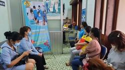 Lao động nữ khám tầm soát ung thư do LĐLĐ quận 8 tổ chức