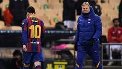 Lionel Messi lầm lũi rời sân còn HLV Ronald Koeman và Bareclona mất danh hiệu. Ảnh: Getty Images