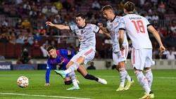 Robert Lewandowski ghi bàn ấn định chiến thắng.