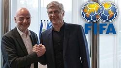 Chủ tịch FIFA, Gianni Infantino (trái) và Giám đốc phát triển bóng đá toàn cầu Arsene Wenger đang thúc đẩy kế hoạch.