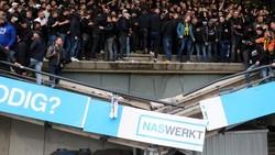 Một phần nhỏ khán đài tại sân Goffert của NEC Nijmegen đã sụp đổ.