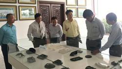 Tìm hiểu sản phẩm công nghiệp hỗ trợ tại Công ty cổ phần  Công nghiệp hỗ trợ Minh Nguyên (Khu Công nghệ cao TPHCM) - một doanh nghiệp được kiều bào tạo lập. Ảnh: VIỆT DŨNG