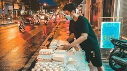 Những phần ăn chay do quán chay Thanh Lạc (quận 4)  của anh Thanh nấu và gửi đến bà con lao động khó khăn