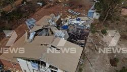 Bão Seroja làm nhiều ngôi nhà bị hư hại