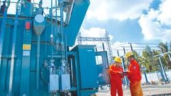 Tổng Công ty Điện lực miền Nam (EVNSPC) thường xuyên bảo dưỡng, sửa chữa đường dây cung cấp điện cho người dân toàn miền Nam