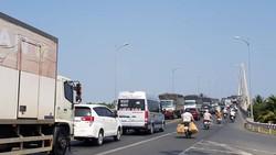 Cấm xe 3 trục qua cầu Rạch Miễu dịp tết