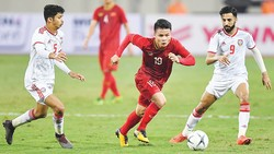 Quang Hải (giữa) và đội tuyển Việt Nam tự tin bước vào trận tái đấu với UAE. Ảnh: D.P