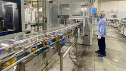 """Công ty cổ phần Sữa Việt Nam áp dụng chặt chẽ giải pháp """"3 tại chỗ"""" để duy trì ổn định sản xuất"""