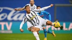 Cristiano Ronaldo ghi được nhiều bàn thắng nhất trong lịch sử bóng đá thế giới