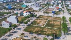 Dự án Golden Hill tại quận Liên Chiểu, TP Đà Nẵng rộng mênh mông nhưng nhiều nơi bỏ hoang - Ảnh: HỮU KHÁ