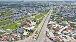 Kết nối giao thông TPHCM với các địa phương lân cận ngày càng quá tải