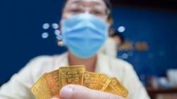 Giá vàng thế giới đang có xu hướng tăng nhanh hơn so với giá vàng trong nước. Ảnh: Chí Hùng.
