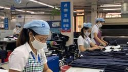 Công ty May 10 là một trong những đơn vị đầu tiên tại Hà Nội được nhận gói hỗ trợ từ Quỹ BHTN