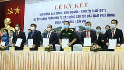 Lễ ký hợp đồng BOT xây dựng đoạn cao tốc Diễn Châu - Bãi Vọt