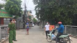 Hà Nội: Ra ngoài không cần thiết, 7 người dân bị phạt 14 triệu đồng