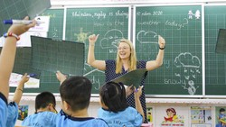 Một tiết học Tiếng Anh Tích hợp tại Trường Tiểu học Hòa Bình