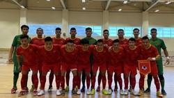 Đội tuyển futsal Việt Nam ở trận giao hữu với Iraq vào tối 17-5. Ảnh: ANH TRẦN