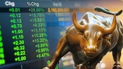 VN Index đạt đỉnh cao nhất trong lịch sử giao dịch khi xác lập mốc kỷ lục 1.423 điểm trong phiên 27-10-2021.